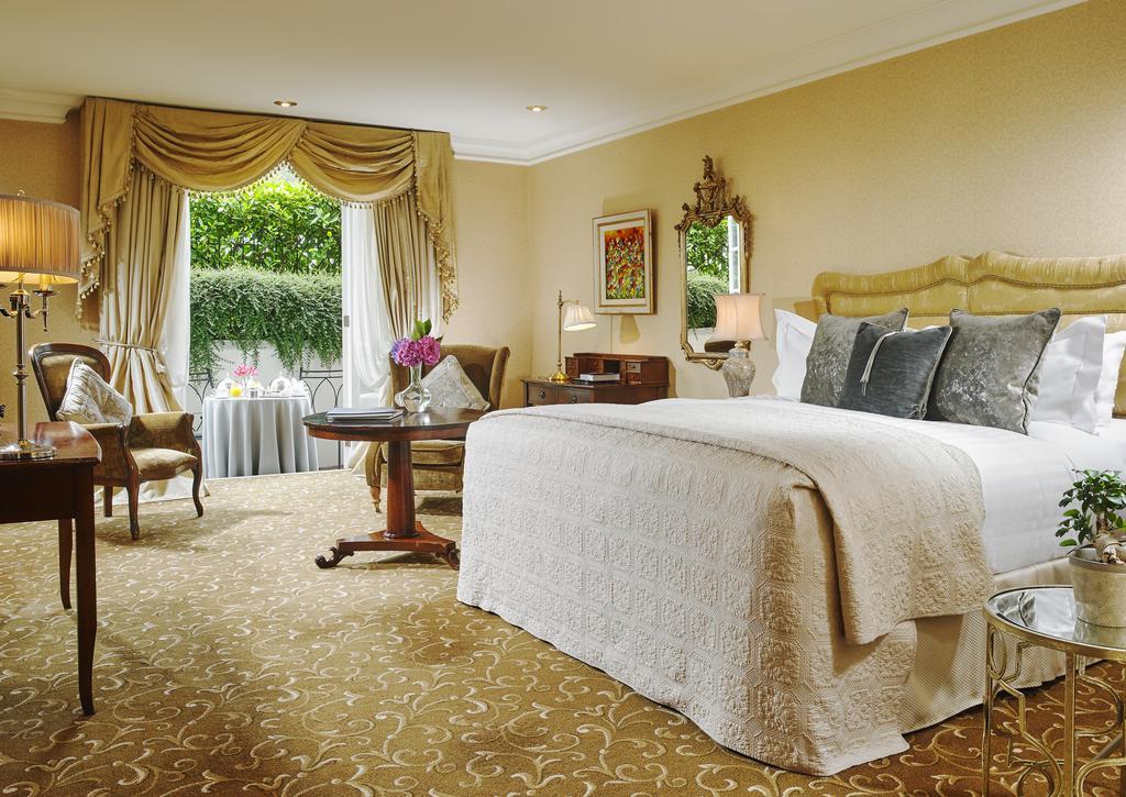 Hayfield Manor bedroom