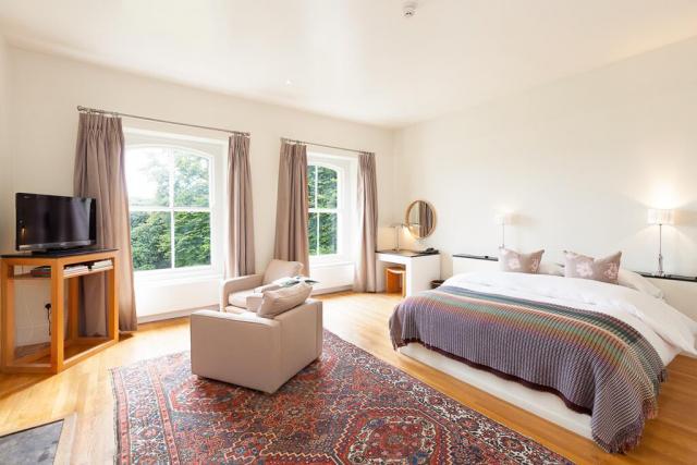 liss ard hotel bedroom